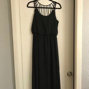 Dresses & Skirts - Black Maxi with Detailed Back